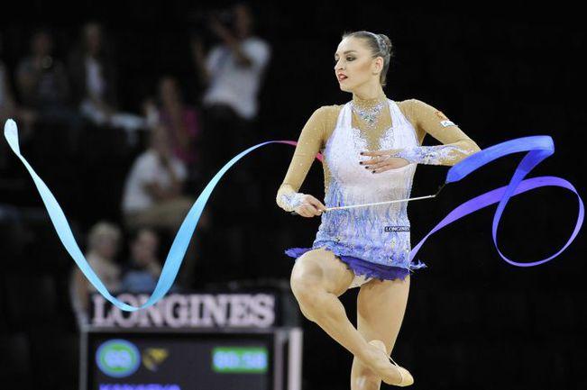 На чемпионате мира в Монпелье Евгении КАНАЕВОЙ не было равных ни в одной дисциплине. Фото AFP