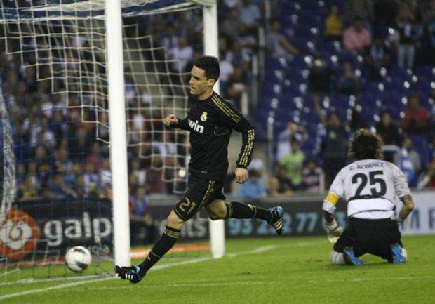 """Воскресенье. Барселона. """"Эспаньол"""" - """"Реал"""" - 0:4. Только что Хосе КАЛЬЕХОН провел третий гол в ворота хозяев. Фото REUTERS"""