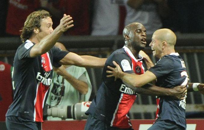 """Суббота. Париж. """"ПСЖ"""" - """"Лион"""" - 2:0. Игроки столичного клуба празднуют победу. Фото AFP"""