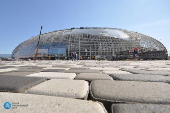 """Сочи. Вот как сейчас выглядит Большой ледовый дворец, где пройдет хоккейный турнир. Фото оргкомитета """"СОЧИ 2014"""" Фото """"СЭ"""""""