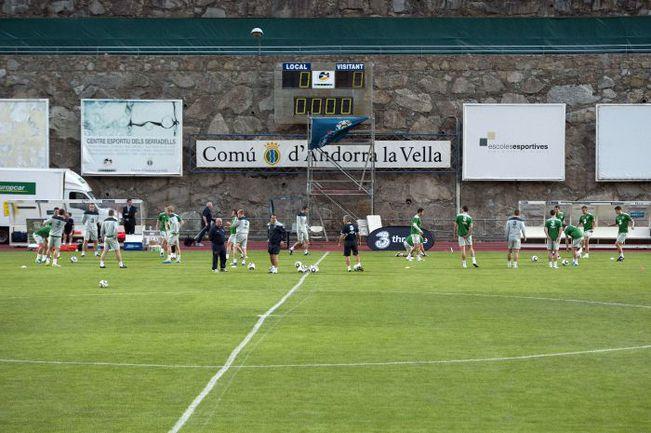 Вчера. Андорра-ла-Велья. Предматчевая тренировка сборной Ирландии. Фото AFP