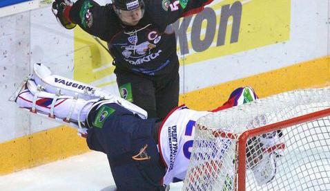 Барков подвис, Михалев подвисает