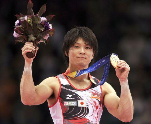 Вчера. Токио. Кохеи УЧИМУРА - чемпион мира в многоборье. Фото AFP