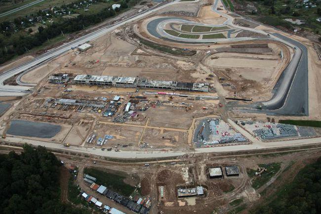 """В районе подмосковного Волоколамска завершается строительство автодрома Moscow Raceway. Фото """"СЭ"""" Фото """"СЭ"""""""