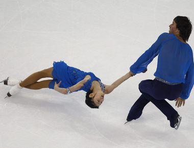 Суббота. Шанхай. Юко КАВАГУТИ и Александр СМИРНОВ. Фото REUTERS
