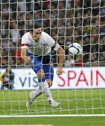Суббота. Лондон. Англия - Испания - 1:0. Гол Фрэнка ЛЭМПАРДА. Фото AFP