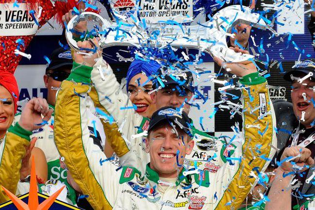"""Эдвардса называют """"Кузен Карл"""", так как он - двоюродный брат Кена Шрэдера, экс-гонщика NASCAR. Фото NASCAR. Фото """"СЭ"""""""