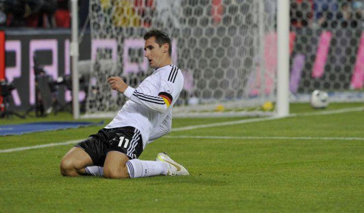 Вторник. Гамбург. Германия - Голландия - 3:0. 26-я минута. Мирослав КЛОЗЕ забил второй гол. Фото REUTERS
