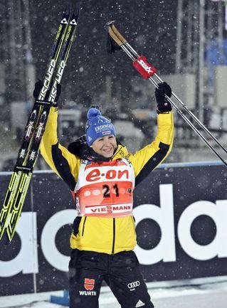 Магдалена НОЙНЕР захватила лидерство в общем зачете Кубка мира. Фото AFP