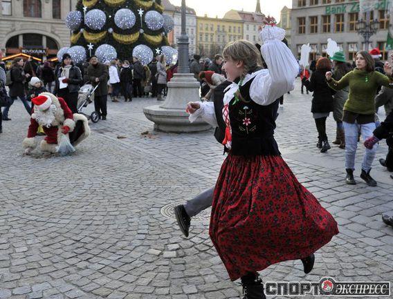 """В эти дни на улицах и площадях Вроцлава с утра до позднего вечера царит дух приближающегося Рождества. Фото """"СЭ"""""""