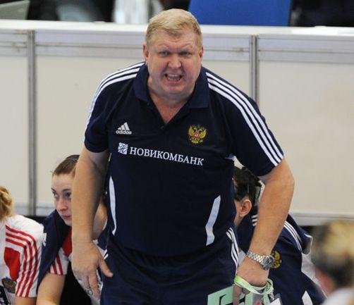 В 1/8 финала сборная России Евгения ТРЕФИЛОВА со счетом 30:19 уверенно переиграла Исландию. Фото AFP