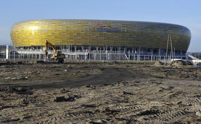 """42-тысячный стадион поражает своей красотой и готов принять 4 матча Euro-2012. Фото """"СЭ"""""""