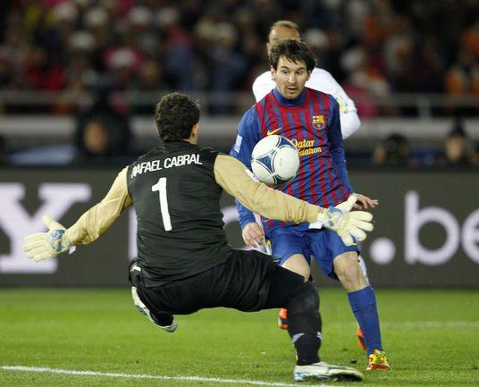 """Вчера. Йокогама. """"Барселона"""" - """"Сантос"""" - 4:0. 17-я минута. Лионель МЕССИ открывает счет. Фото REUTERS"""