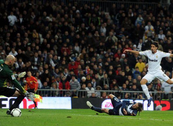 """3 января. Мадрид. """"Реал"""" - """"Малага"""" - 3:2. 68-я минута. Гол Самира ХЕДИРЫ. Фото AFP"""