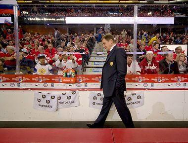 "Четверг. Калгари. Швеция - Россия - 1:0 ОТ. Валерий БРАГИН. Фото iihf.com. Фото ""СЭ"""