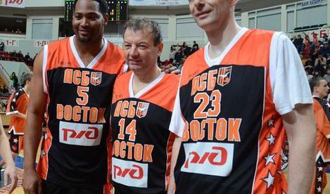 Семикратный чемпион НБА и два миллиардера  на одной площадке