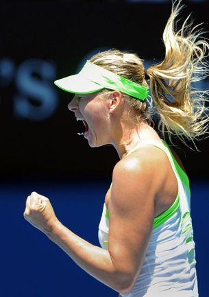 Сегодня. Мельбурн. Мария ШАРАПОВА празднует победу над Екатериной Макаровой в 1/4 финала Australian Open. Фото REUTERS