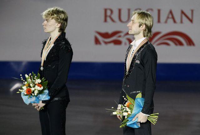 Суббота. Шеффилд. Евгений ПЛЮЩЕНКО (справа) и Артур ГАЧИНСКИЙ. Фото AFP