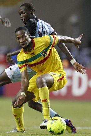 Среда. Либревиль. Мали - Ботсвана - 2:1. В атаке автор победного гола Сейду КЕЙТА. Фото REUTERS