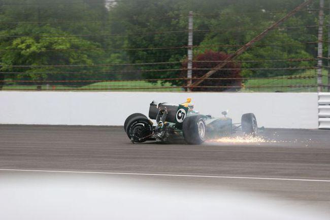 """За два сезона Сато несколько раз попадал в серьезные переделки на овалах - но не чаще, чем другие пилоты в процессе освоения трасс такого типа. Фото - Indycar. Фото """"СЭ"""""""