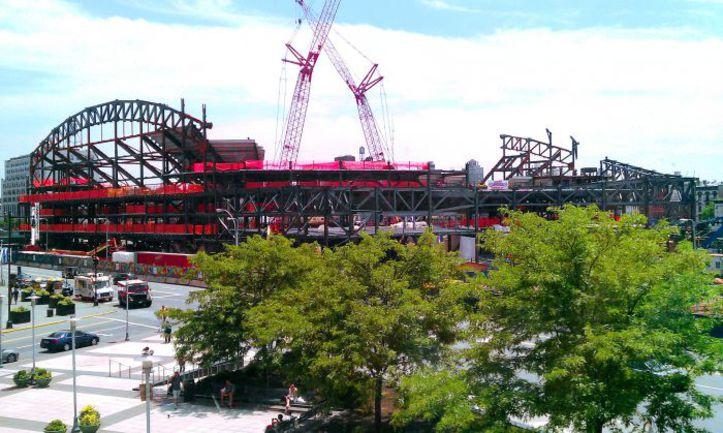 """Barclays Center - будущая арена """"Нью-Джерси Нетс"""" в Бруклине. Фото Фрэнка КАБРЕРЫ. Фото """"СЭ"""""""