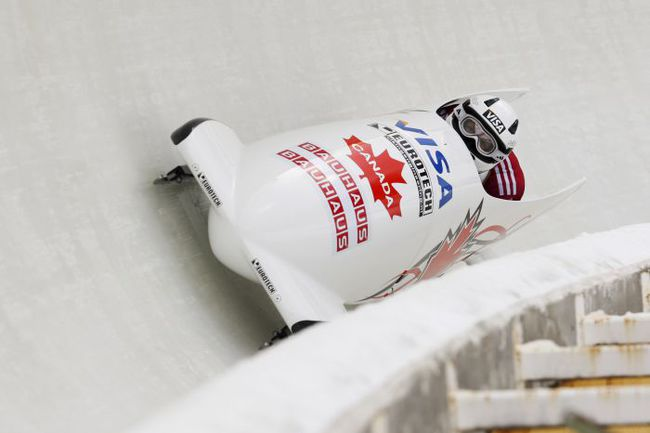 Воскресенье. Лейк-Плэсид. Представители Канады завоевали в эстафете бронзу чемпионата мира по бобслею и скелетону. Фото REUTERS