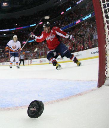 "Вчера. ""Вашингтон"" - ""Айлендерс"" - 3:2 ОТ. Александр ОВЕЧКИН. Фото AFP"