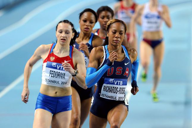 Вчера. Стамбул. В финале на 400 м Александра ФЕДОРИВА уступила только Сане РИЧАРДС-РОСС. Фото AFP