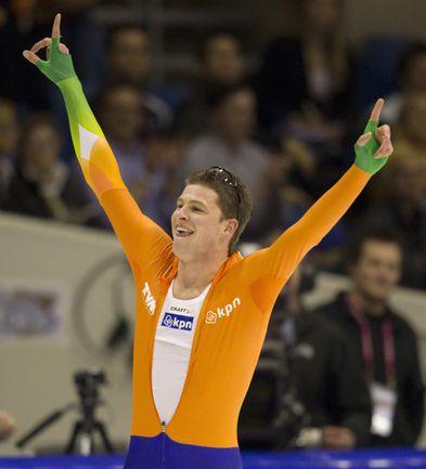 Вчера. Херенвен. Великий Свен КРАМЕР - чемпион мира-2012 на дистанции 5000 м. Фото REUTERS