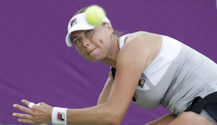 Вера ЗВОНАРЕВА в нынешнем сезоне выиграла в одиночном разряде лишь 5 встреч из 10. Фото REUTERS