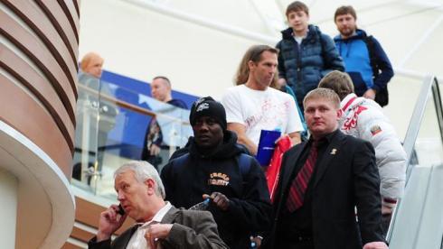 Джонс солидарен с Коксом, но ставит на Лебедева