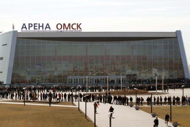 "Вчера. Омск. ""Арена-Омск"". Очередь за билетами на финал Кубка Гагарина. Фото Валерия ГАШЕЕВА. Фото ""СЭ"""
