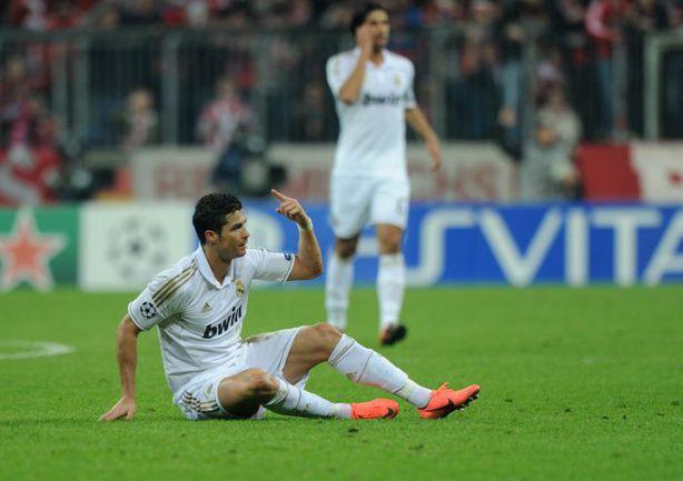 """Вторник. Мюнхен. """"Бавария"""" - """"Реал"""" - 2:1. КРИШТИАНУ РОНАЛДУ пришлось играть не в своих бутсах. Фото AFP"""