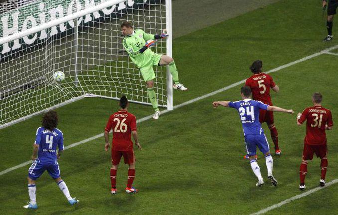 """Суббота. Мюнхен. """"Бавария"""" - """"Челси"""" - 1:1 (пен. - 3:4). 88-я минута. Гол Дидье Дрогба. Фото REUTERS"""