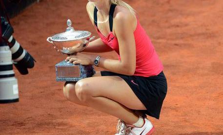 Воскресенье. Рим. Мария ШАРАПОВА - победительница Открытого чемпионата Италии. Фото Reuters