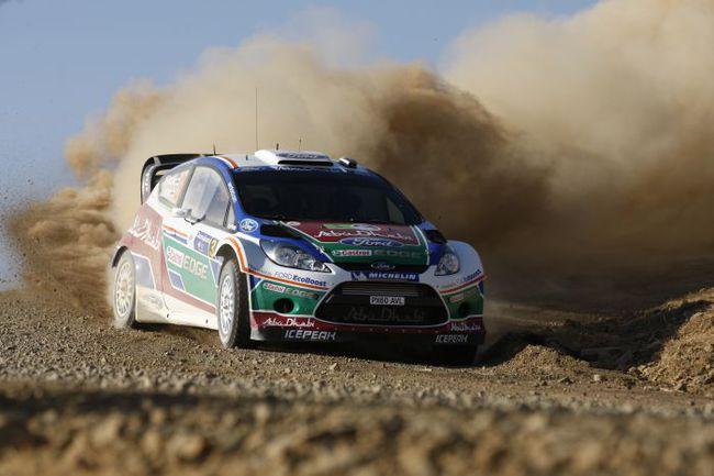 """""""Ралли Акрополис"""" не всегда дарит лихо закрученную интригу, но с пылью на этой гонке перебоев не бывает никогда. Фото - Ford. Фото """"СЭ"""""""