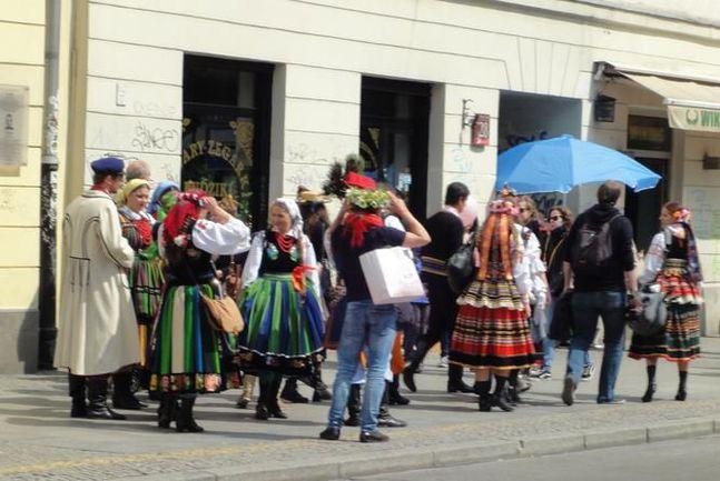"""Национальный колорит в Варшаве встречается на каждом шагу. Фото Артема АГАПОВА, """"СЭ Интернет"""". Фото """"СЭ"""""""