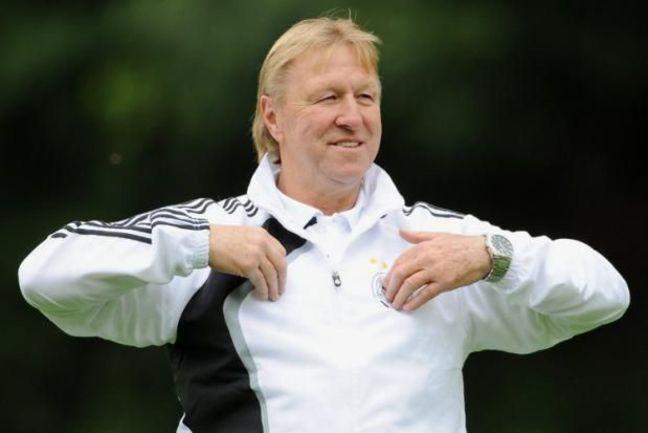 Знаменитый в прошлом нападающий, а ныне главный тренер юниорской сборной Германии Хорст ХРУБЕШ. Фото REUTERS
