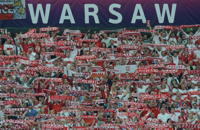Пятница. Варшава. Польша - Греция - 1:1. Так выглядели трибуны Национального стадиона на матче открытия Euro-2012. Фото AFP