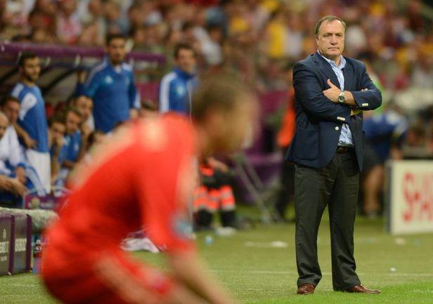 Суббота. Варшава. Греция - Россия - 1:0. Дик АДВОКАТ. Фото AFP