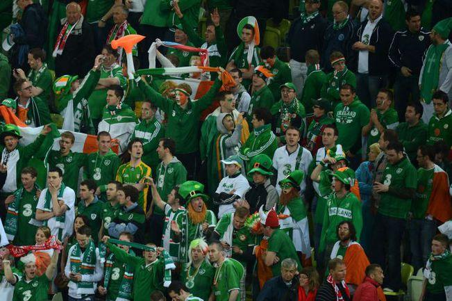 """18 июня. Познань. Италия - Ирландия - 2:0. Зеленое ирландское """"море"""" на трибунах стадиона """"Городской"""". Фото AFP"""