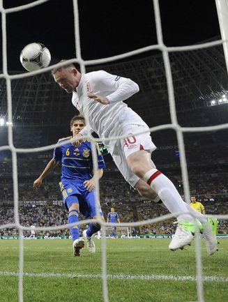 Вторник. Донецк. Англия - Украина - 1:0. 48-я минута. Уэйн РУНИ забивает победный гол. Фото REUTERS