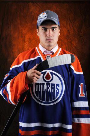 Сегодня. Питтсбург. Наиль ЯКУПОВ выбран под первым номером по итогам драфта НХЛ. Фото AFP