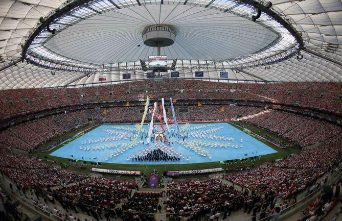 8 июня. Варшава. Национальный стадион. Церемония открытия Euro-2012. Фото REUTERS