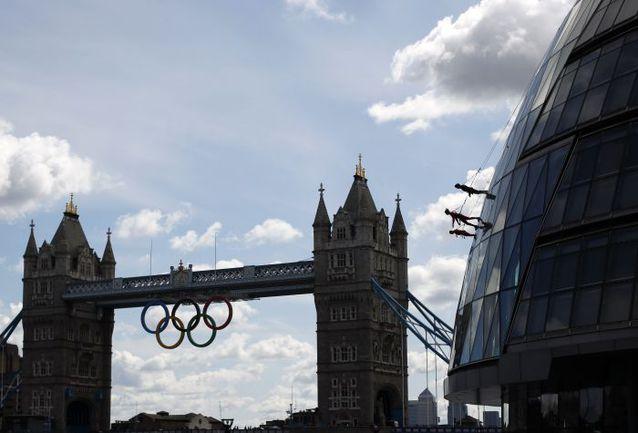 Июль. Лондон. Тауэрский мост. Столица Великобритании ждет гостей Олимпиады. Фото REUTERS