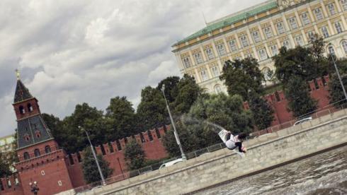Вейкбординг у стен Кремля
