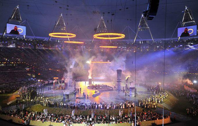 """Пятница. Лондон. Церемония открытия Игр-2012 вылилась в грандиозное красочное шоу. Фото Алексея ИВАНОВА, """"СЭ"""". Фото """"СЭ"""""""