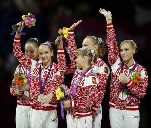 Вчера. Лондон. Женская сборная России: есть серебро! Но хотелось-то золота... Фото REUTERS