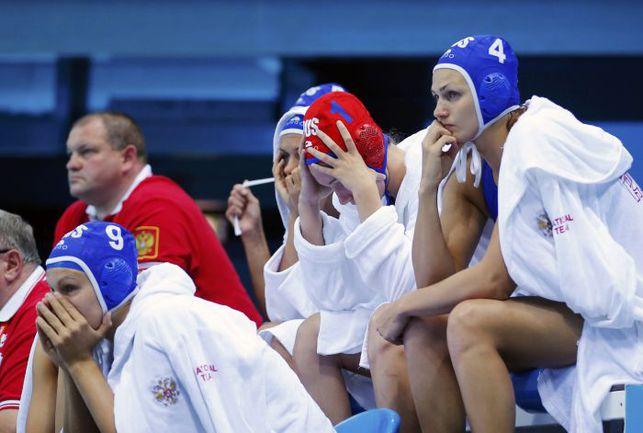 Вчера. Лондон. Венгрия - Россия - 11:10. Эмоции Софьи КОНКУХ (№4) и ее партнерш по команде. Фото Reuters