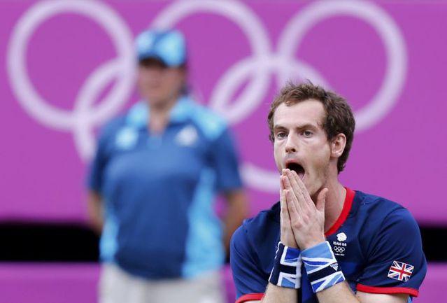 Вчера. Лондон. Только что Энди МАРРЭЙ выиграл олимпийское золото, победив в финале Роджера Федерера. Фото REUTERS